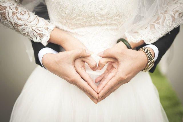 novios fueron los peores anfitriones en su boda