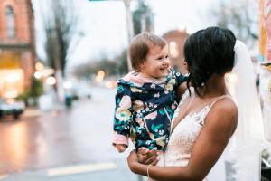 niña confunde a novia con una princesa