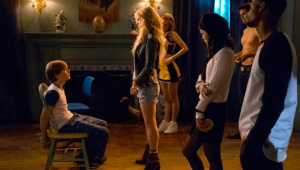 Bella Thorne estrena película de terror en Netflix