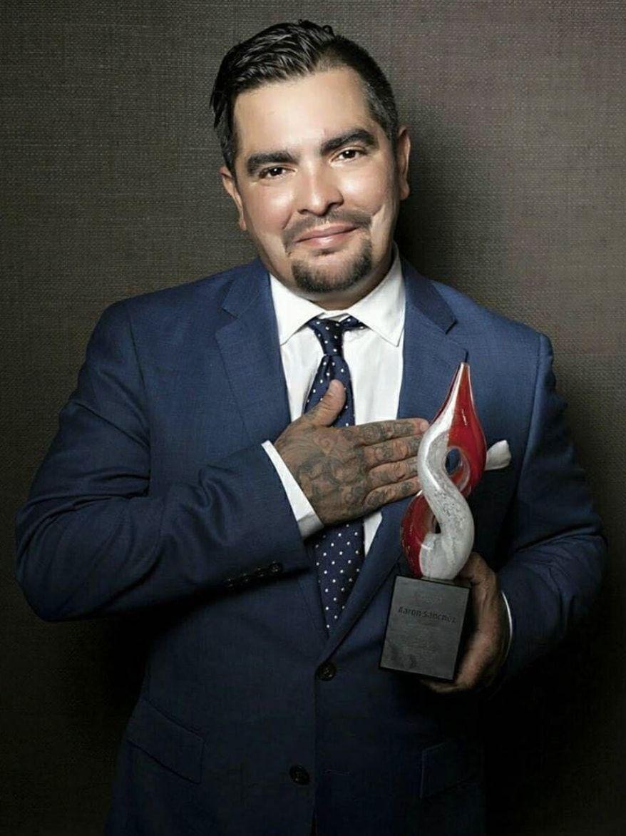 hombres latinos inspiradores