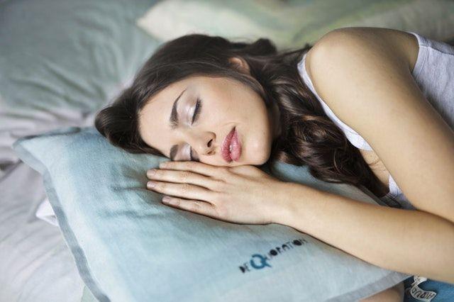 mujeres pueden tener orgasmos mientras duermen