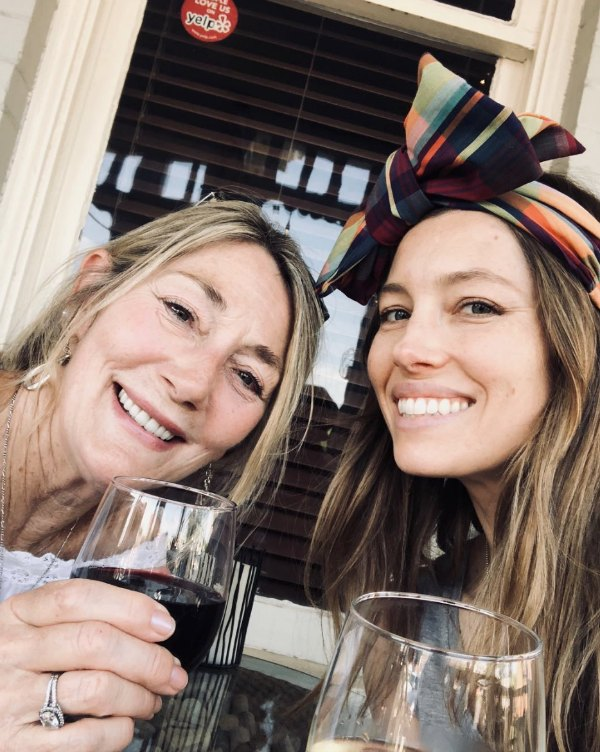 celebridades festejando el Día de las Madres