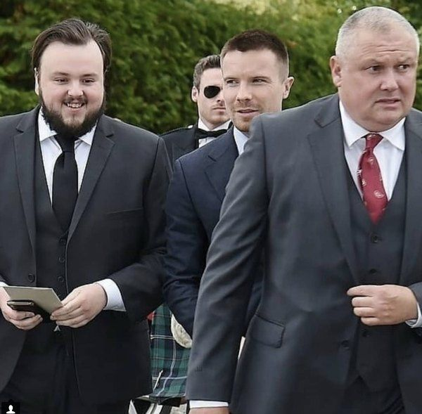 actores de GOT en la boda de Kit Harington