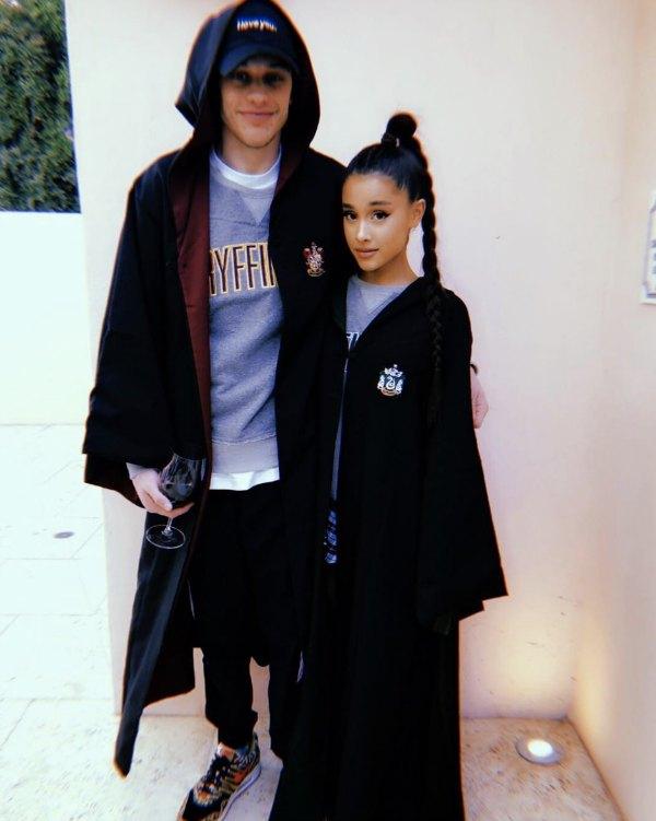 Ariana Grande se comprometió