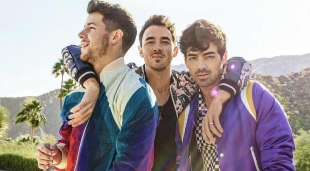 Jonas Brothers sorprenden a sus fans