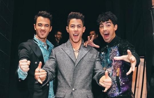 nueva canción de los Jonas Brothers con Daddy Yankee