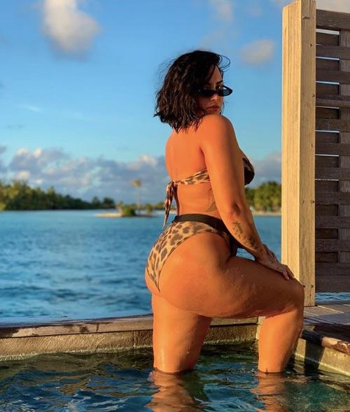 Demi Lovato publicó fotos de su celulitis